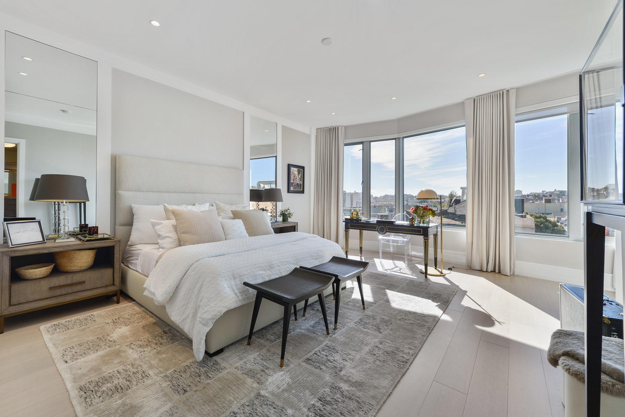 SF Luxury Home - Spacious Bedroom
