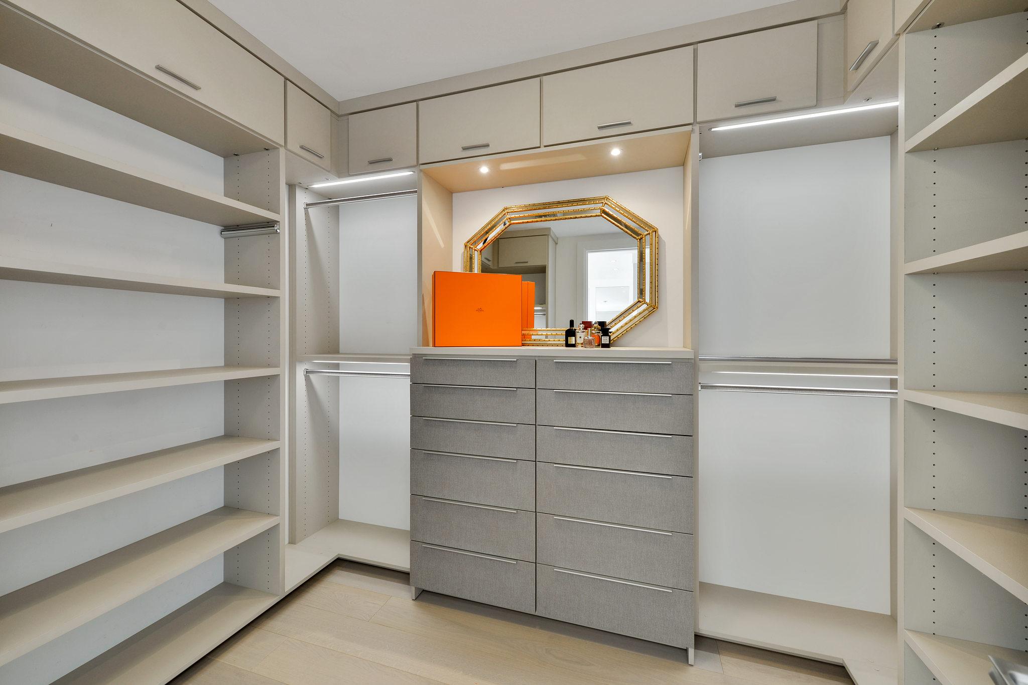 Luxury Homes in SF - Walkin closet