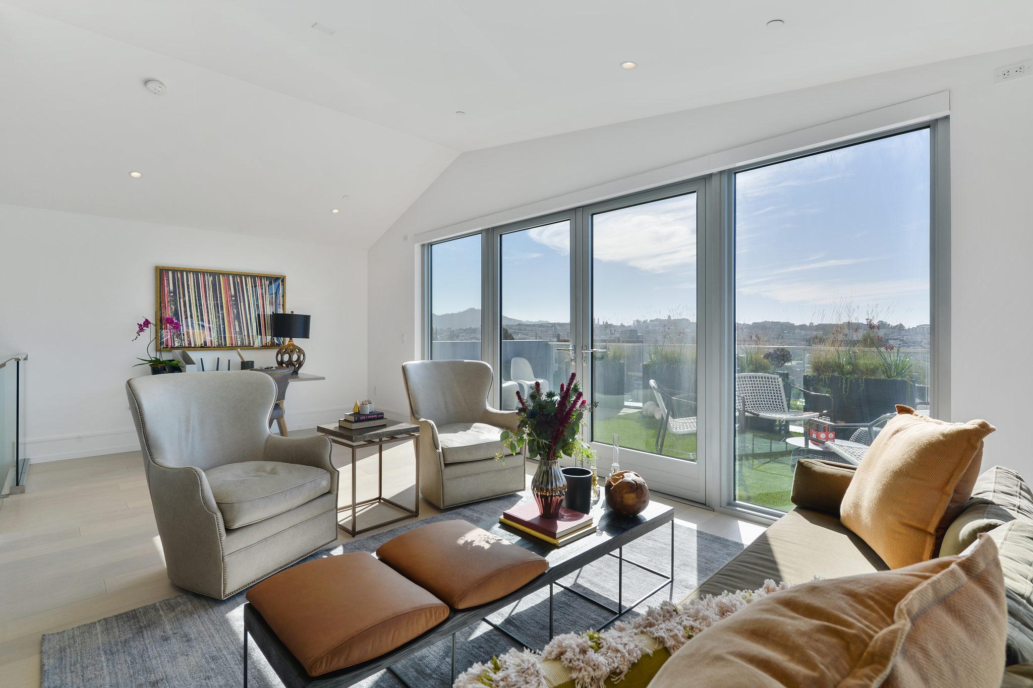 SF Luxury Home - Living room
