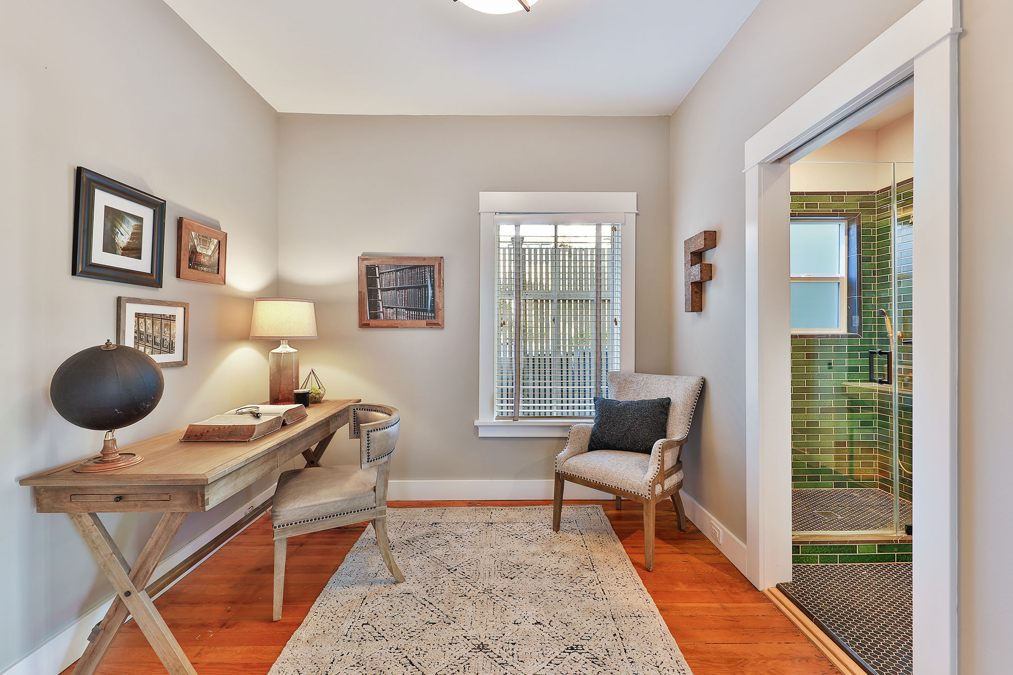 SF Real Estate - Hallway with chair and side table