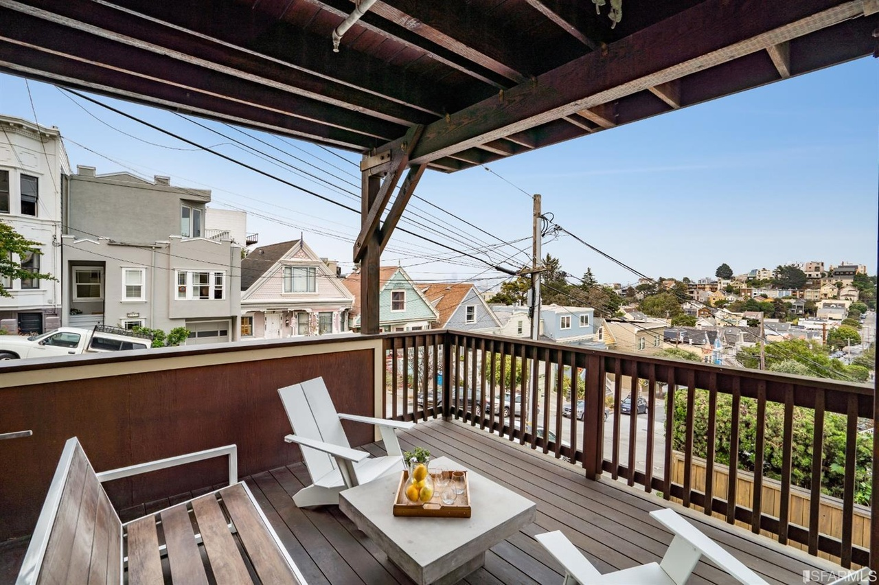 San Francisco Luxury Home - Porch with Seating
