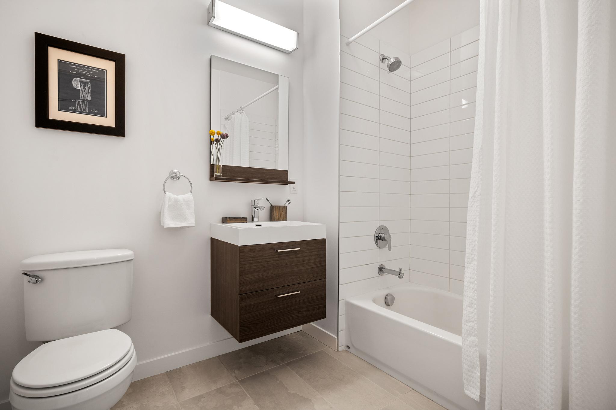 Modern Bathroom - San Francisco