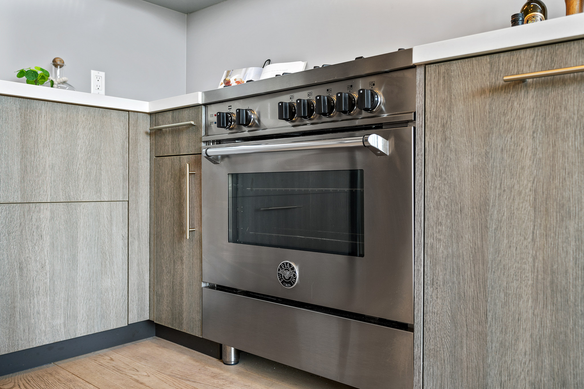 Stainless Steel Oven - SF Home